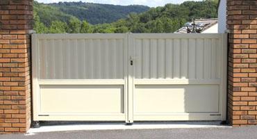 Portail et clôture à Lyon, pose en rénovation sans dégradation