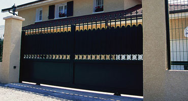 Portail coulissant à Lyon, pose en rénovation sans dégradation